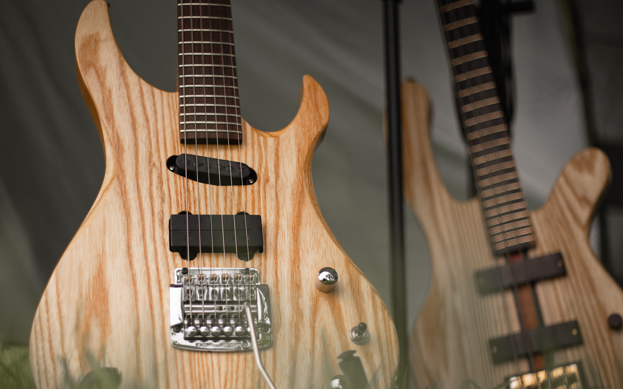 Handcrafted bespoke guitars