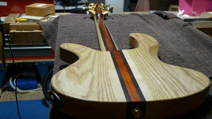 moondot music handmade custom bass