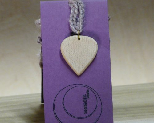 maple pick necklace