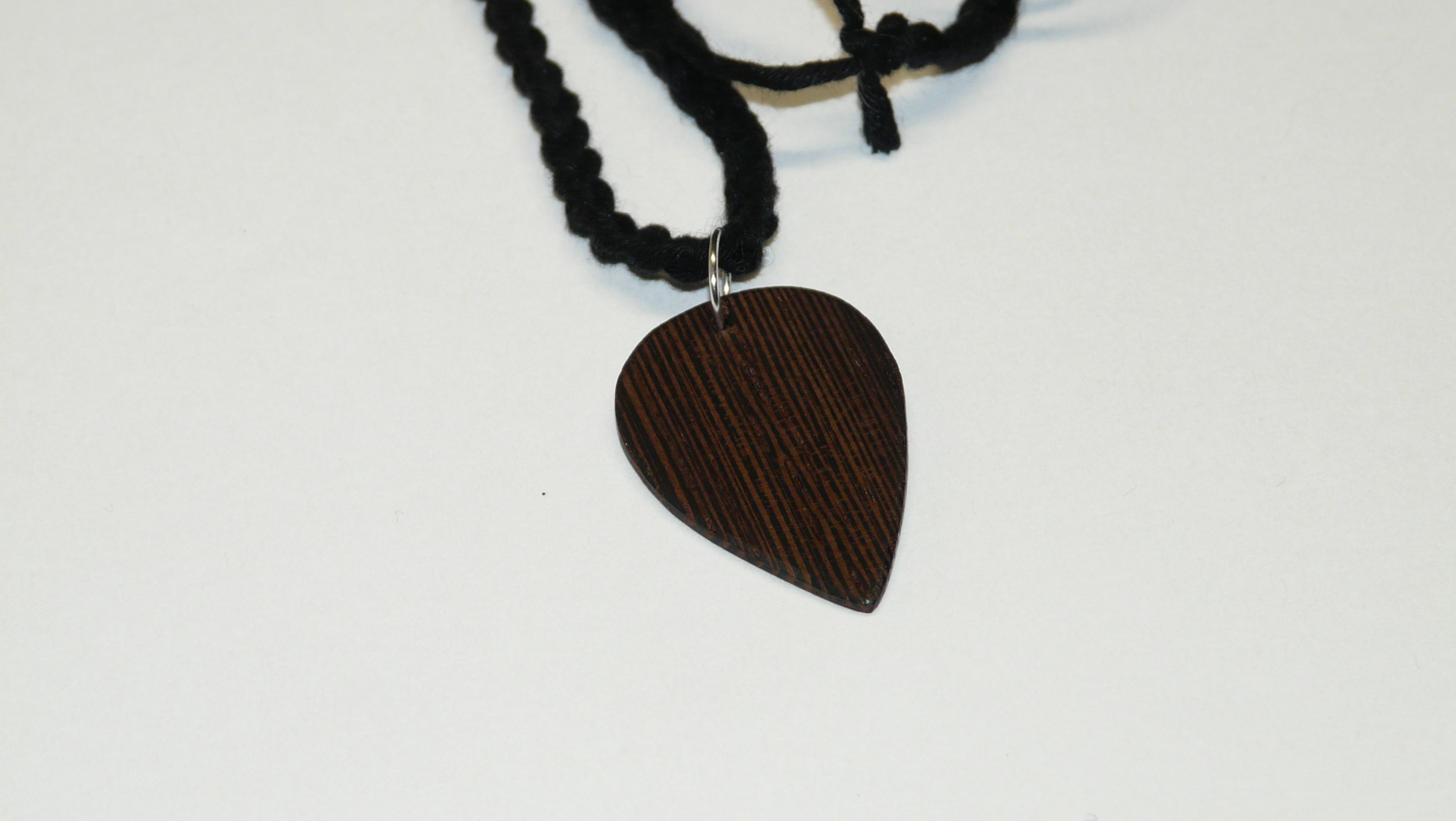 Wenge pick necklace