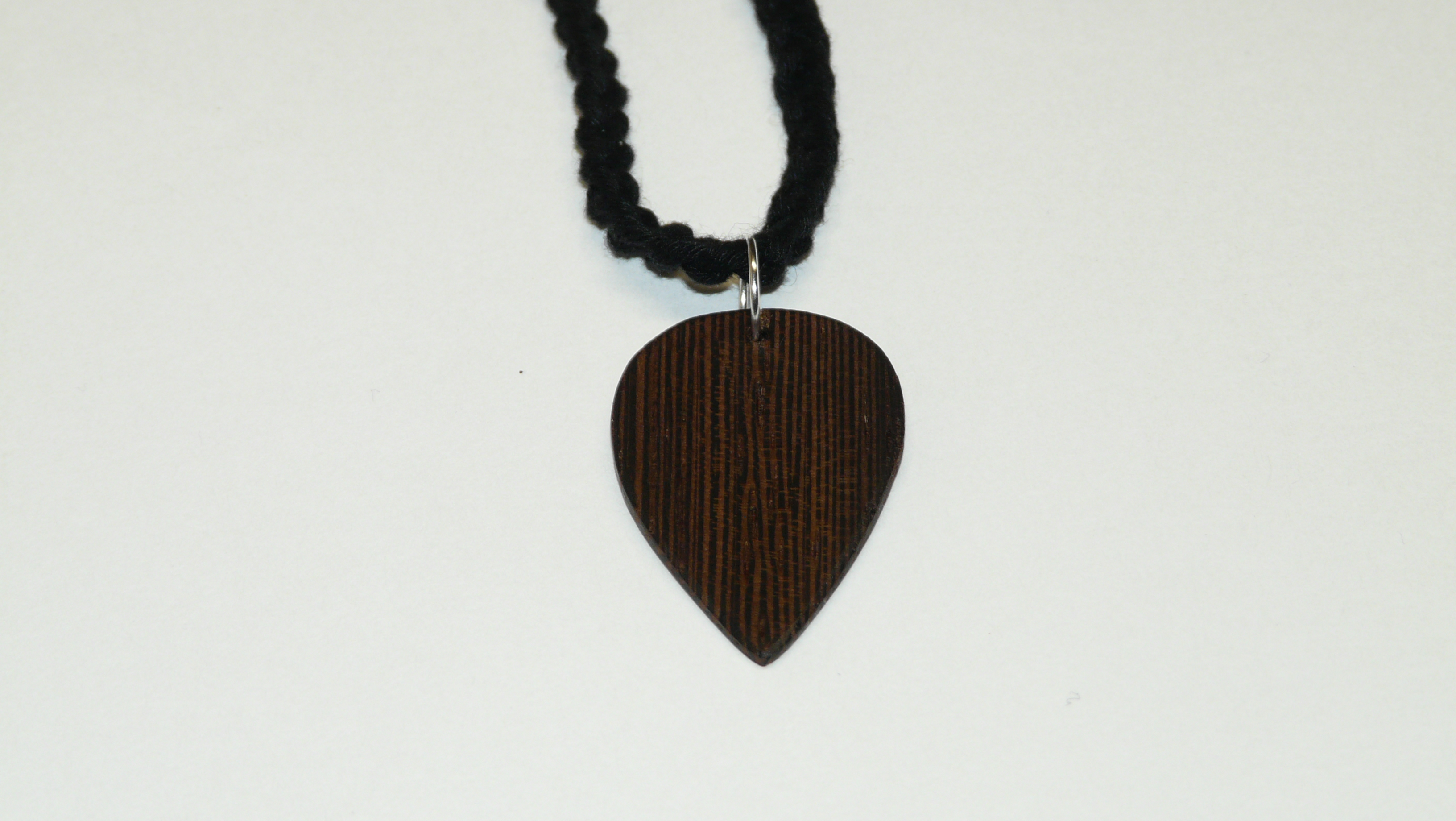 Wenge pick necklace