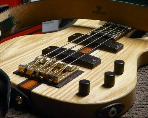 Moondot Music IO Bass