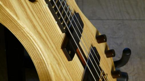 Moondot Music IO Bass